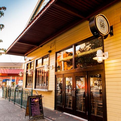 Elliott's Cafe 56